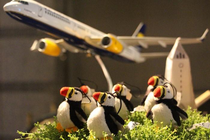 アイスランド雑貨や北欧グッズを取り揃えたクリスマスワゴン。海鳥「パフィン」ぬいぐるみがかわいいですね!