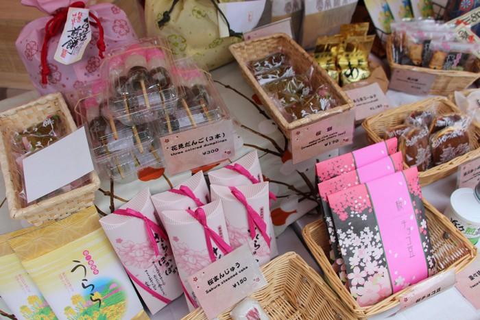 品川マルシェでは、歴史ある宿場町ならではの商品を多数ご用意。目移りしちゃいます。