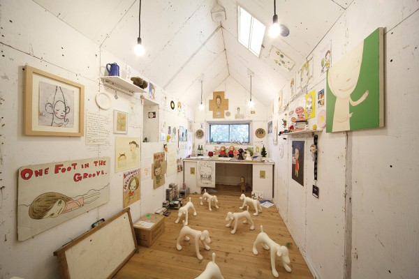 "A piece based on the studio of Yoshitomo Nara. ""My Drawing Room"" by Yoshitomo Nara [From August 2004] Production Collaboration: graf Photo by Keizo Kioku"