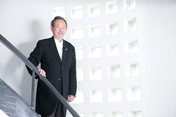 原美術館館長の原俊夫さん。ニューヨーク近代美術館国際評議委員会副会長をはじめ様々な役職を歴任し、海外からも叙勲を受けるなど、美術への貢献が認められています。