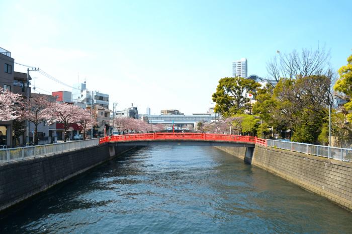 荏原神社の前に架かる「鎮守橋」付近。